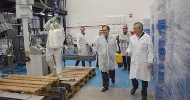 El Conseller Vicent Soler visita las nuevas instalaciones de BETELGEUX – CHRISTEYNS